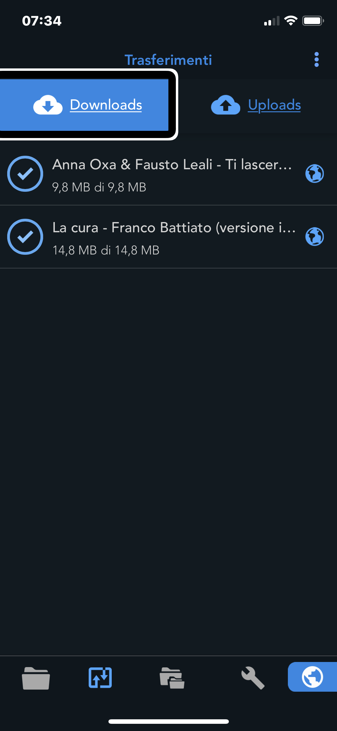 screenshot di un iPhone con in primo piano l'app Total file